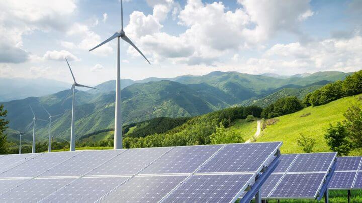 Czy warto inwestować  w odnawialne źródła energii?